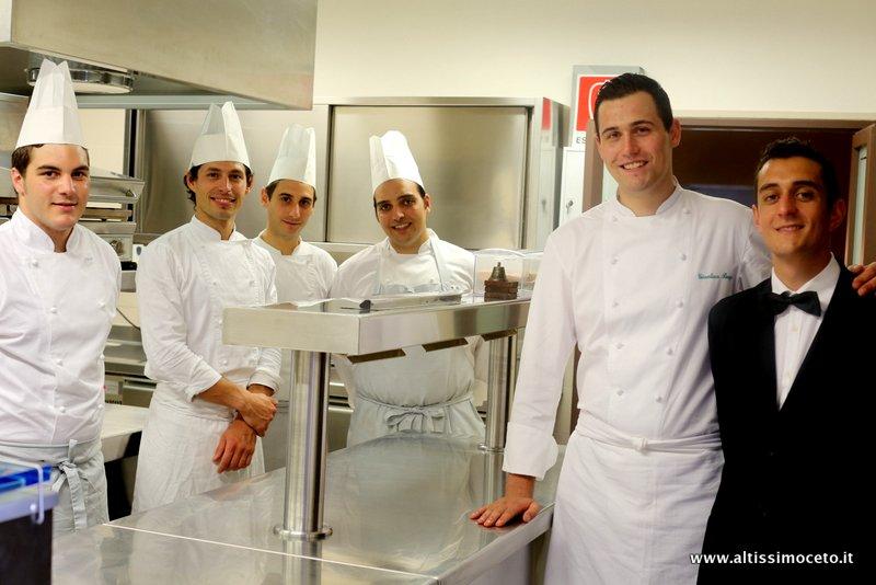 la cucina di heinz beck si pu degustare anche in provincia di siena nel suggestivo castello di fighine risalente allxi secolo con una stella michelin e