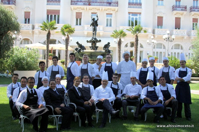 Credenza La Dolce Vita : Grand hotel rimini con ristorante dolce vita patron