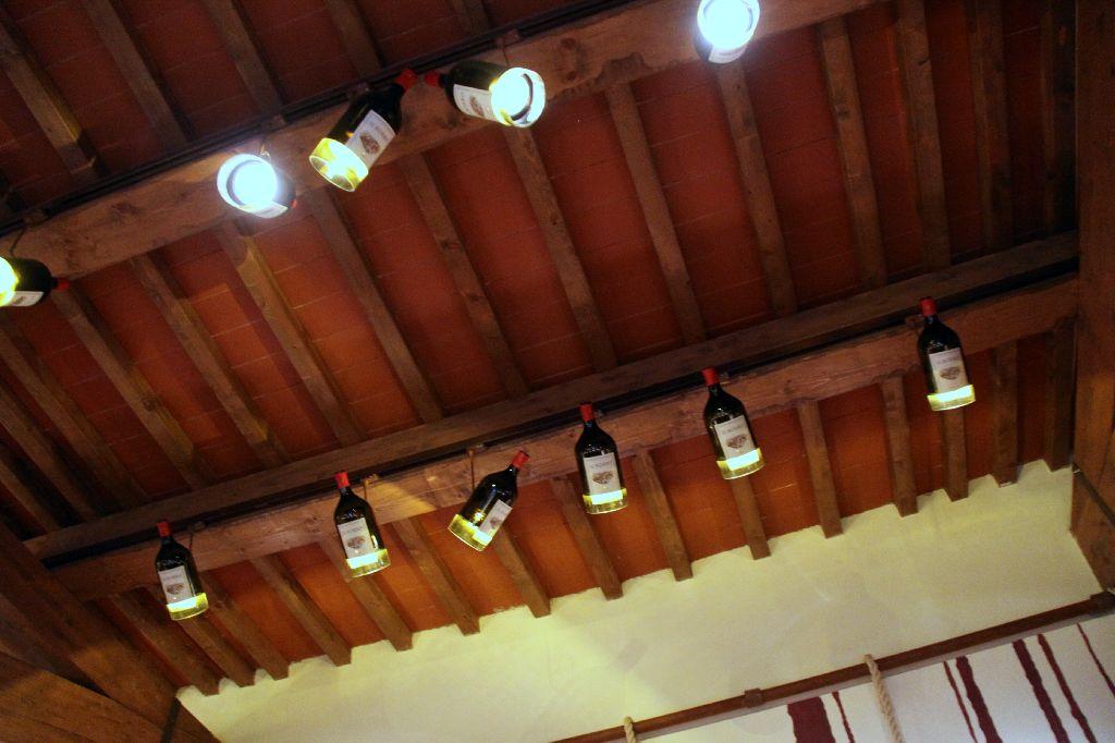 Illuminazione taverna rustica fantastico cucine rustiche cucina