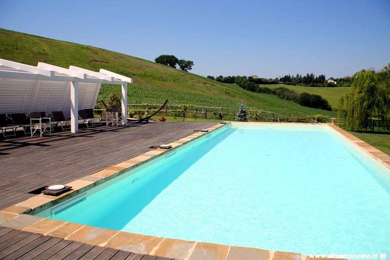 Il Gallo Senone Resort di Campagna - Senigallia (AN) - Patron Simona Renaldi e Matteo Alessandroni