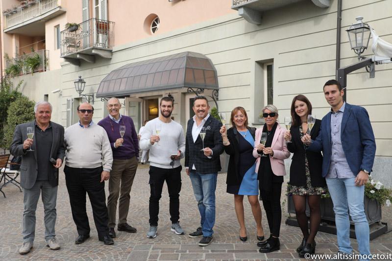 Cartoline dal 711mo Meeting VG @ Ristorante Albergo Ca' Vittoria – Tigliole (AT) – Patron/chef Massimiliano Musso
